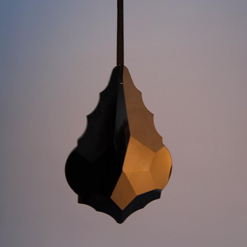 krystallaki-gyalino-mayro-15cm